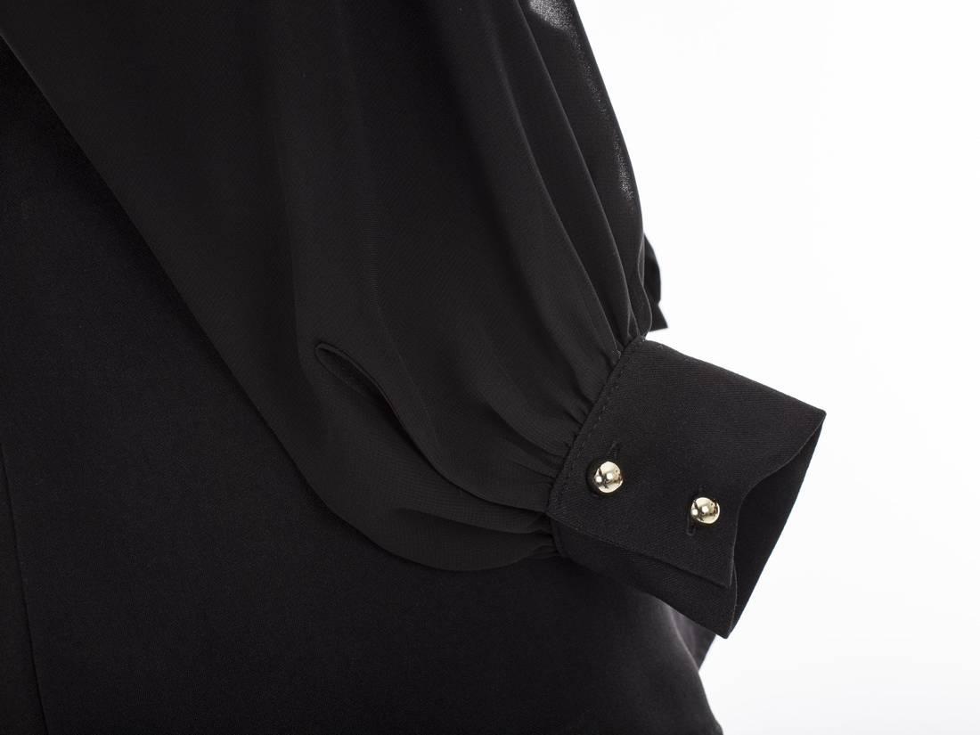 Asymetryczna wiązana bluzka z kołnierzem
